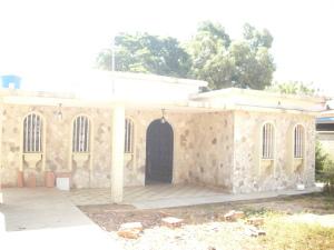 Casa En Venta En Cabimas, Bello Monte, Venezuela, VE RAH: 15-8192