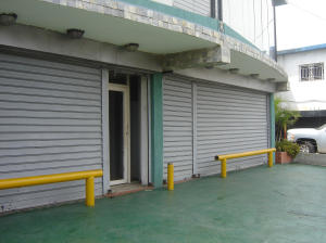 Local Comercial En Venta En Municipio San Francisco, Sierra Maestra, Venezuela, VE RAH: 15-8235