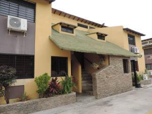 Casa En Venta En Municipio Naguanagua, Manantial, Venezuela, VE RAH: 15-8267