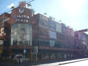Local Comercial En Venta En Maracay, Zona Centro, Venezuela, VE RAH: 15-8282