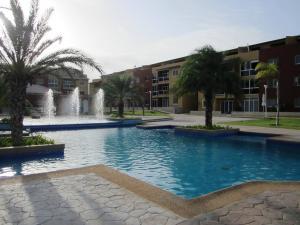 Apartamento En Venta En Margarita, Sector San Lorenzo, Venezuela, VE RAH: 15-8309