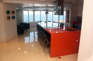 Apartamento En Venta En Maracaibo, Virginia, Venezuela, VE RAH: 15-8373