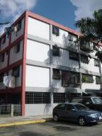 Apartamento En Venta En Caracas, El Valle, Venezuela, VE RAH: 15-8486
