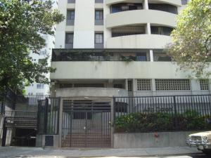 En Venta En Caracas - Bello Monte Código FLEX: 15-8576 No.1