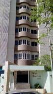 Apartamento En Venta En Maracaibo, Tierra Negra, Venezuela, VE RAH: 15-8584