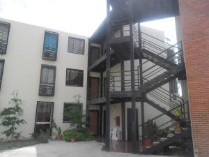 Apartamento En Venta En Guacara, Ciudad Alianza, Venezuela, VE RAH: 15-8598