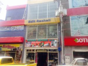 Local Comercial En Venta En Punto Fijo, Centro, Venezuela, VE RAH: 15-8635
