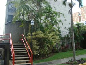 Townhouse En Venta En Caracas, La Boyera, Venezuela, VE RAH: 15-8694