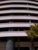 Apartamento En Venta En Margarita, Pampatar, Venezuela, VE RAH: 15-8703