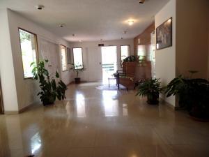 Apartamento En Venta En Caracas - Los Naranjos del Cafetal Código FLEX: 15-8868 No.5
