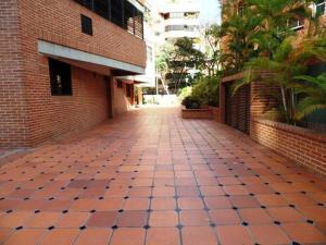 Apartamento En Venta En Caracas - Campo Alegre Código FLEX: 15-8800 No.8