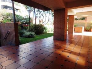 Apartamento En Venta En Caracas - Campo Alegre Código FLEX: 15-8800 No.10