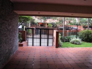 Apartamento En Venta En Caracas - Campo Alegre Código FLEX: 15-8800 No.14