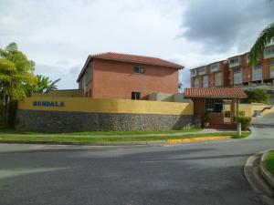 Townhouse En Venta En Caracas, Loma Linda, Venezuela, VE RAH: 15-8813
