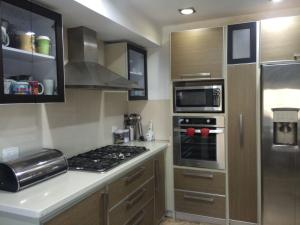 Apartamento En Venta En Maracaibo, La Lago, Venezuela, VE RAH: 15-8974