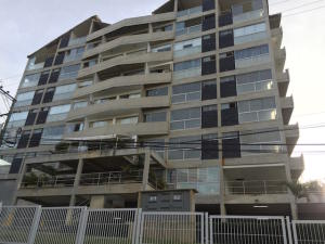 Apartamento En Venta En Caracas, El Hatillo, Venezuela, VE RAH: 15-8961