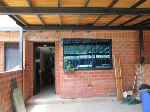 Casa En Venta En Guatire, El Encantado, Venezuela, VE RAH: 15-9041