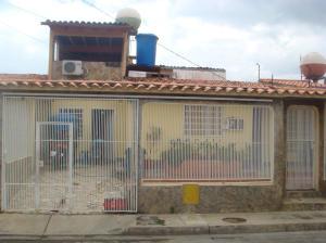 Casa En Venta En Cabudare, Parroquia José Gregorio, Venezuela, VE RAH: 15-9149