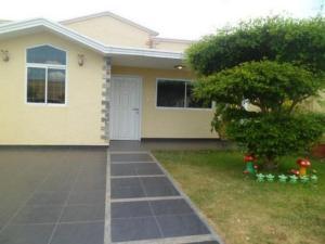 Casa En Venta En Punto Fijo, Casacoima, Venezuela, VE RAH: 15-9072