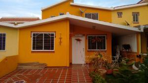Townhouse En Venta En Maracaibo, Francisco De Miranda, Venezuela, VE RAH: 15-9119