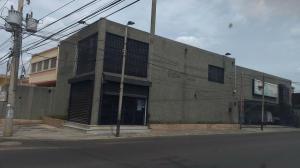 Local Comercial En Alquiler En Maracaibo, Santa Rita, Venezuela, VE RAH: 15-9232