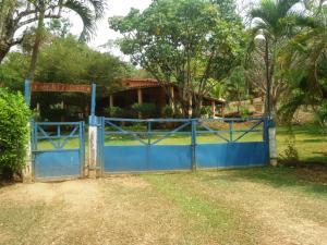 Terreno En Venta En Municipio Libertador, Santa Isabel, Venezuela, VE RAH: 15-9254