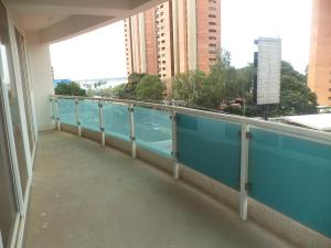 Apartamento En Venta En Maracaibo, Virginia, Venezuela, VE RAH: 15-9261