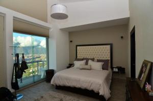 Apartamento En Venta En Caracas - Alto Hatillo Código FLEX: 15-9339 No.2