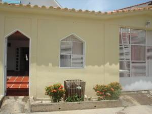 Casa En Venta En Cagua, Corinsa, Venezuela, VE RAH: 15-9356