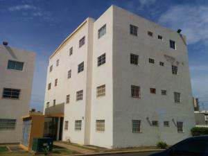 Apartamento En Venta En Maracaibo, Pueblo Nuevo, Venezuela, VE RAH: 15-9360