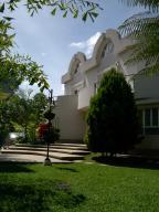 Casa En Alquiler En Caracas, Colinas Del Tamanaco, Venezuela, VE RAH: 15-9390