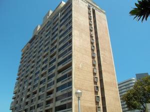 Apartamento En Venta En Parroquia Naiguata, Camuri Grande, Venezuela, VE RAH: 15-9425