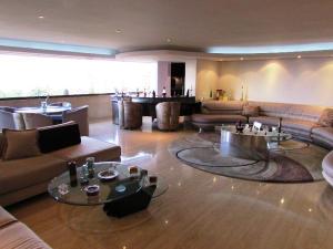 Apartamento En Venta En Caracas - Los Chorros Código FLEX: 15-9492 No.1