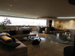 Apartamento En Venta En Caracas - Los Chorros Código FLEX: 15-9492 No.2