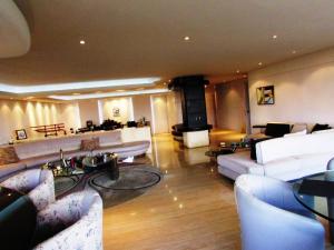 Apartamento En Venta En Caracas - Los Chorros Código FLEX: 15-9492 No.4