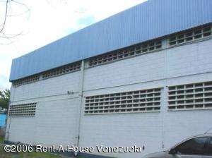 Galpon - Deposito En Venta En Santa Lucia, Santa Lucia, Venezuela, VE RAH: 15-9499