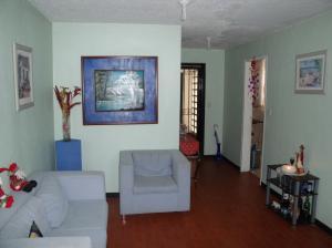 Apartamento En Venta En Ciudad Bolivar, Mercado Periférico, Venezuela, VE RAH: 15-9602