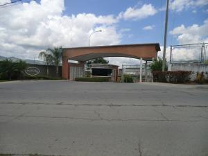 Apartamento En Ventaen Guatire, Buenaventura, Venezuela, VE RAH: 15-9670