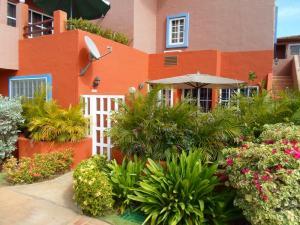 Apartamento En Venta En Margarita, Playa El Angel, Venezuela, VE RAH: 15-9684