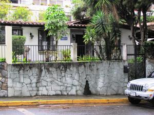 Casa En Venta En Caracas, Alto Prado, Venezuela, VE RAH: 15-9819