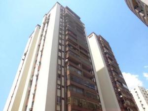 Apartamento En Venta En Valencia, Prebo I, Venezuela, VE RAH: 15-9836