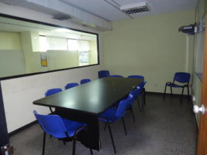 Oficina En Alquiler En Maracaibo, Avenida Bella Vista, Venezuela, VE RAH: 15-9850
