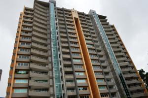 Apartamento En Venta En Valencia, El Bosque, Venezuela, VE RAH: 15-9995