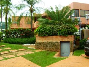 Townhouse En Venta En Valencia, Altos De Guataparo, Venezuela, VE RAH: 15-10006