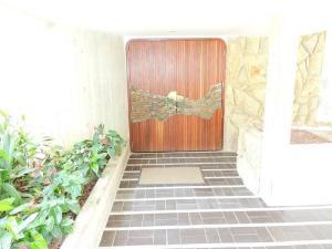 Casa En Venta En Caracas, La Lagunita Country Club, Venezuela, VE RAH: 15-10055