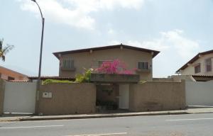 Casa En Venta En Caracas, Santa Paula, Venezuela, VE RAH: 15-8138