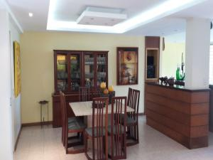 Casa En Venta En Caracas - El Cafetal Código FLEX: 15-10523 No.2