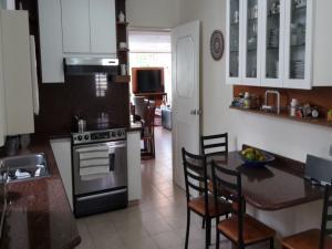 Casa En Venta En Caracas - El Cafetal Código FLEX: 15-10523 No.4