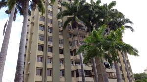 Apartamento En Venta En Valencia, La Viña, Venezuela, VE RAH: 15-10203