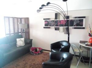 Apartamento En Venta En Caracas - La Florida Código FLEX: 15-10220 No.3